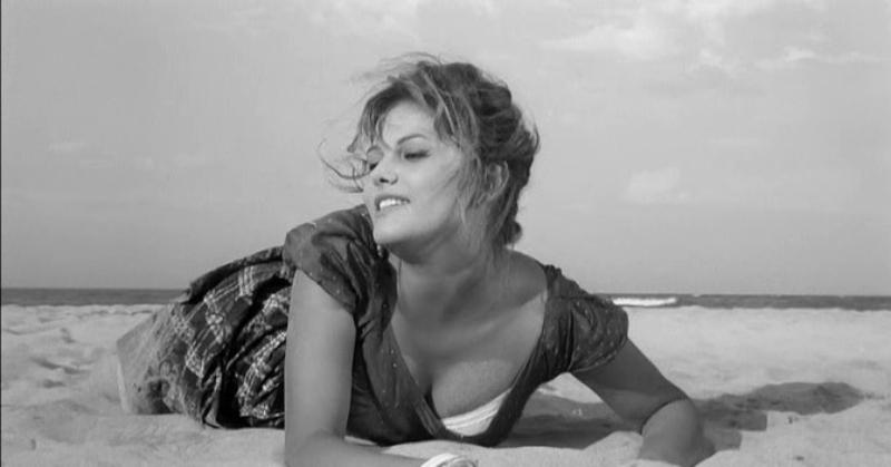 Claudia Cardinale - La chica de la maleta