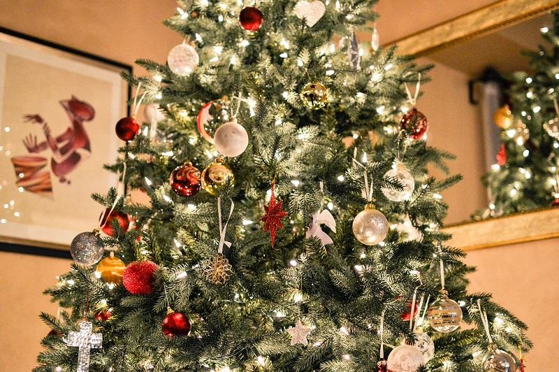 Pesebre - Decoración del árbol navideño.