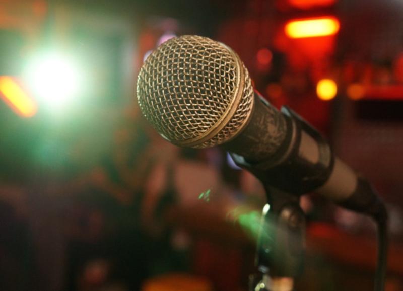 San Valentín - Microfono