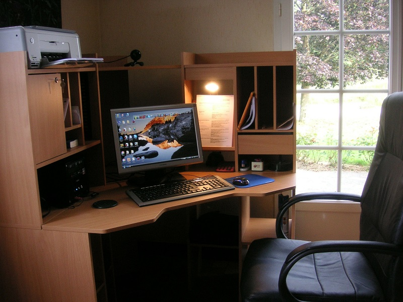 Home Office - Habitación De Trabajo