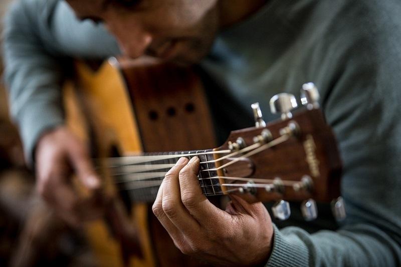 Diakomusi - Guitarra