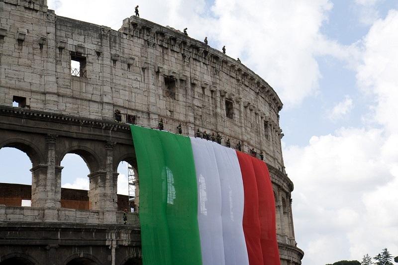 coliseo - Bandera Italiana