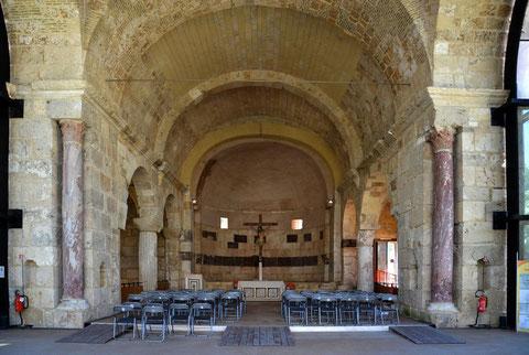 L'interno Della Basilica Di San Saturnino Di Cagliari