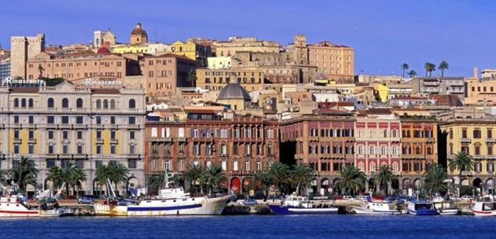 Panoramica di Cagliari dal porto
