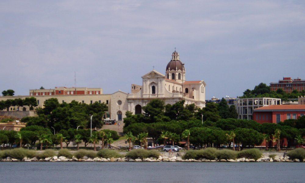 veduta dal golfo della Basilica di Nostra Signora di Bonaria