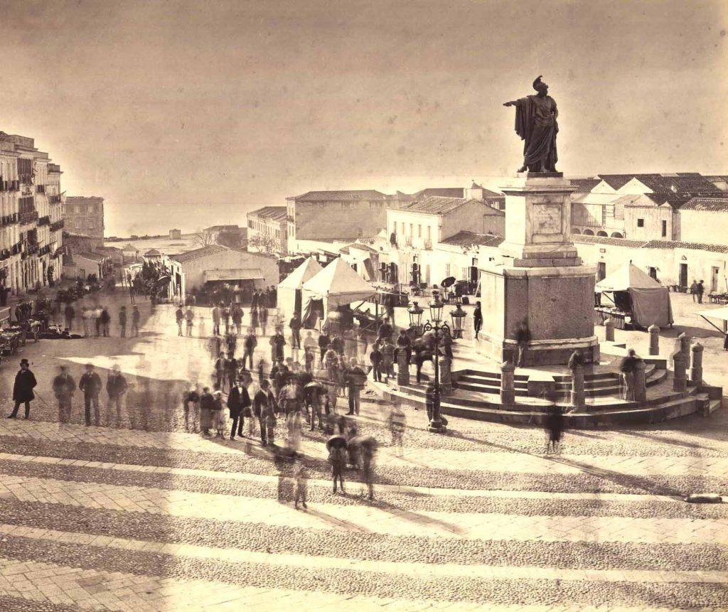 Vecchia foto di Piazza Yenne alla fine del 1800