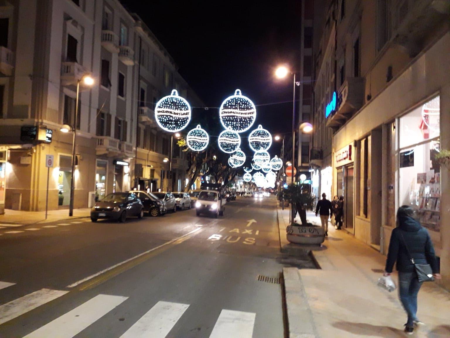 Luci Di Natale Nella Via Paoli