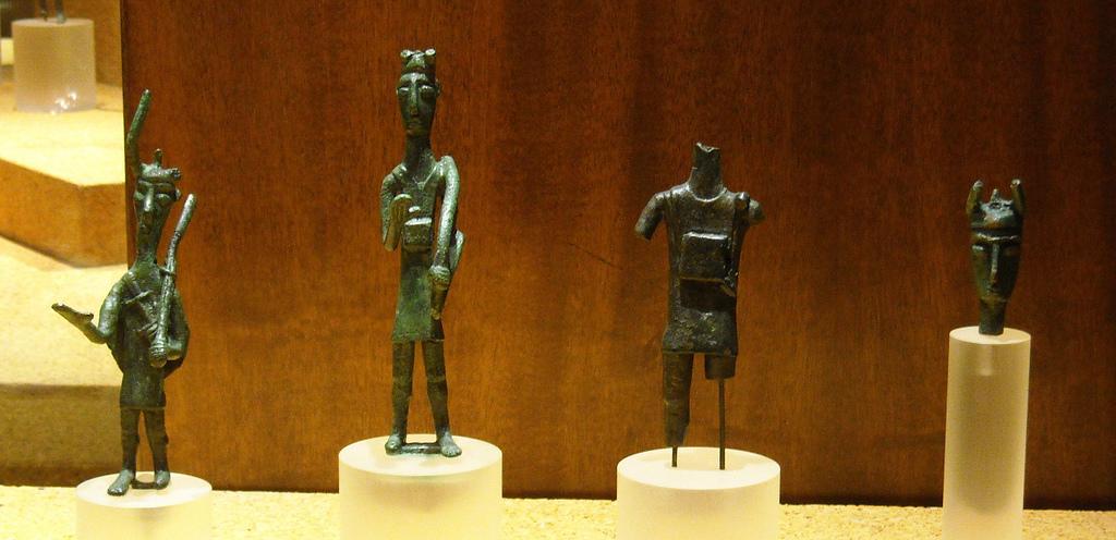 alcuni bronzetti cui sarà integrata la mostra La Civiltà e il Mediterraneo