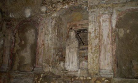 la nicchia della santa nella cripta di santa restituta