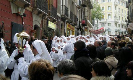 un momento della processione del cristo morto durante sa pasca manna