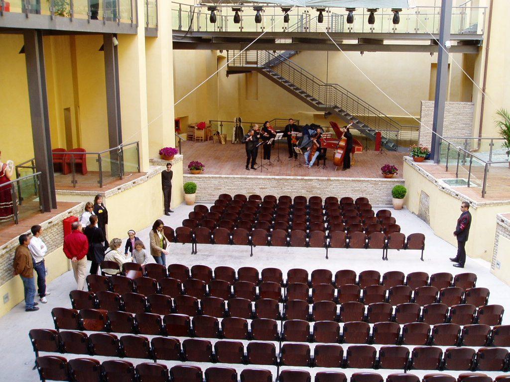 interno del teatro civico