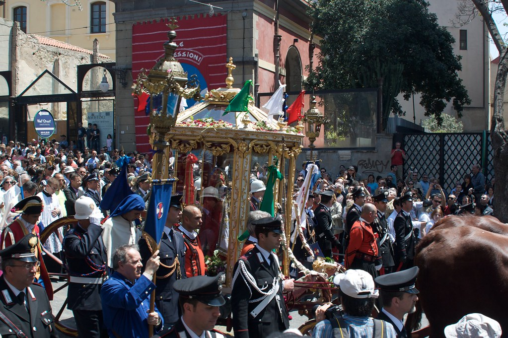una delle più antiche confraternite di cagliari, la confraternita di sant'efisio