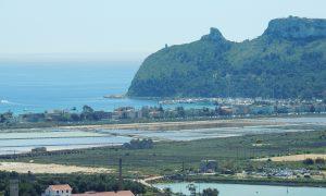 panoramica del poetto, della laguna di santa gilla e della sella del diavolo