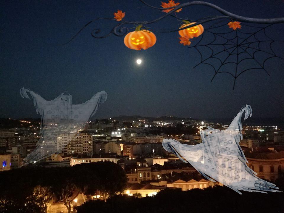 Ghost Stories Cagliaritane - veduta di Cagliari notturna con due fantasmi (fonte Karalis Eventi)