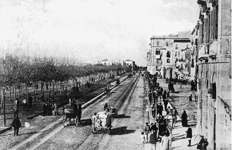 Porto di Cagliari - La Marina in una foto dell'Ottocento