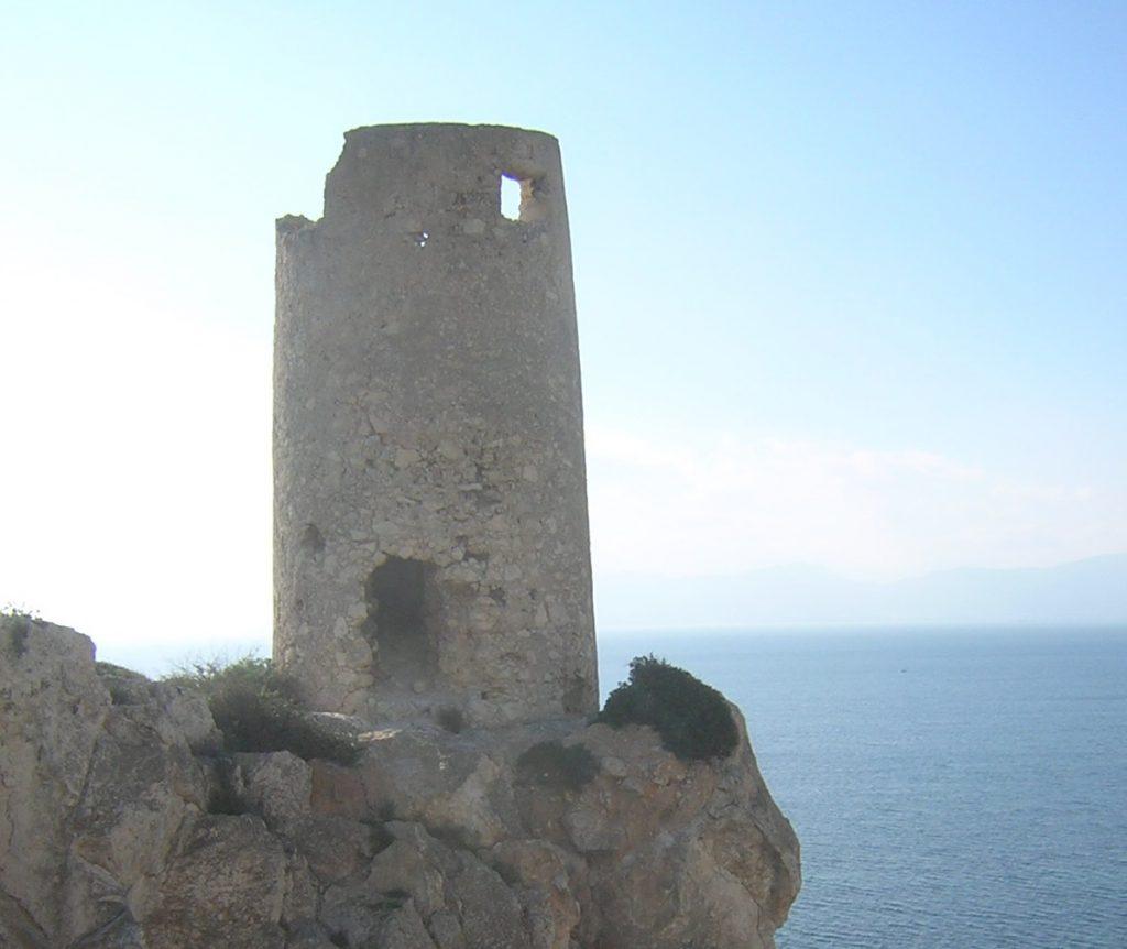 Torre del Prezzemolo e sperone roccioso