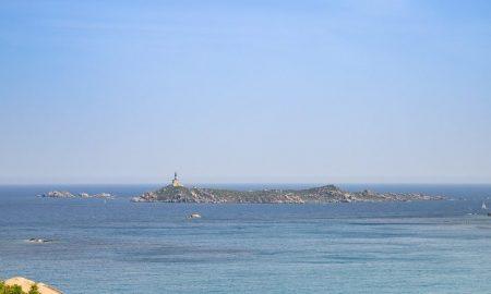 Cropped Isola Dei Cavoli.jpg