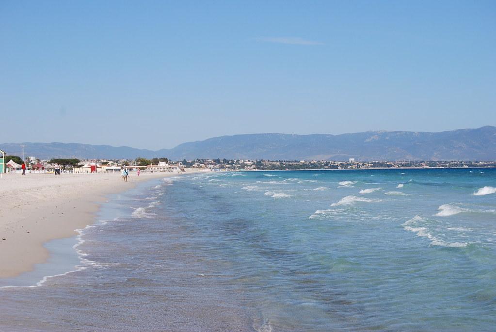 Poetto è una delle spiagge più belle di Cagliari