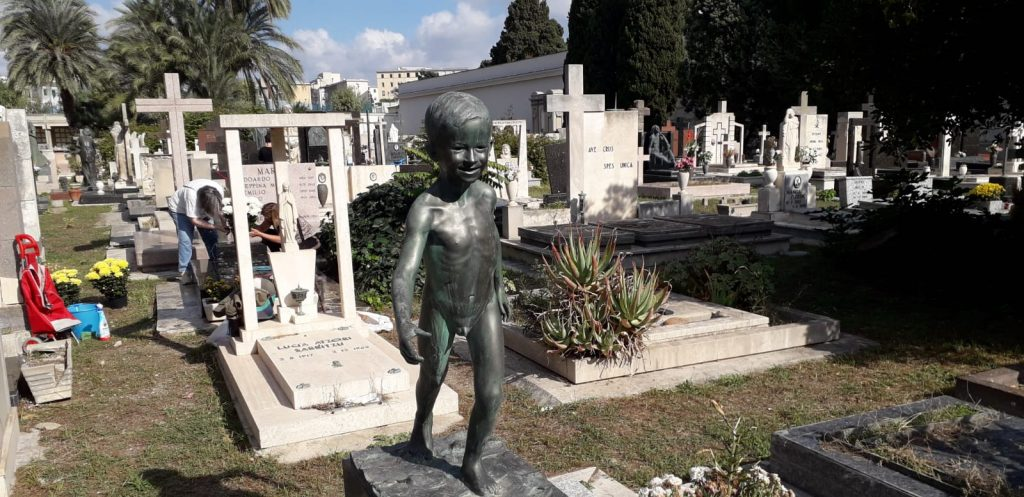 Cimitero Bonaria, bimbo di pietra, lapidi, tombe