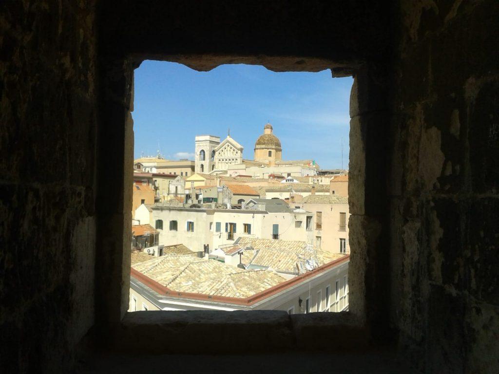 Torre Dell'Elefante, panorama, case, Cattedrale,cielo