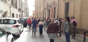 Cagliari, Castello, turisti, strada, automobili