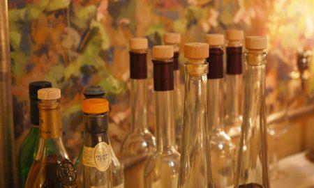 Bottiglie utili a contenere filu 'e ferru