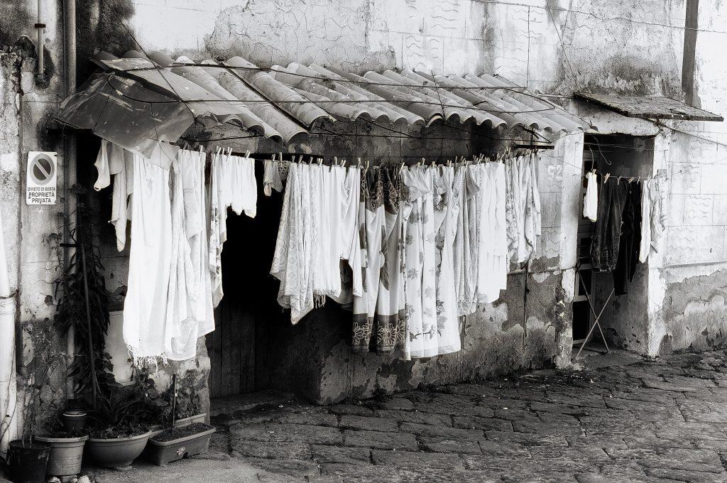 Panas - Vecchia foto del bucato steso al sole