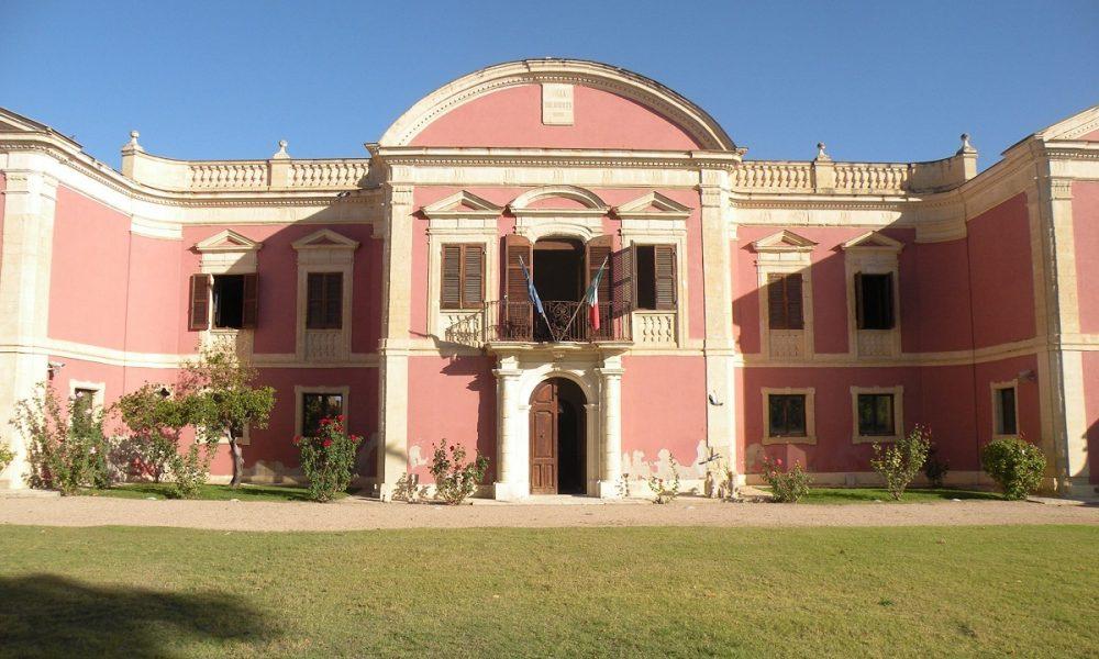ingresso e facciata di Villa Pollini Oggi