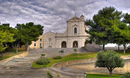 veduta della scalinata ce porta alla basilica della Nostra Signora Di Bonaria Cagliari