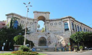 Facciata del bastione Di San Remy a Cagliari descritto nella guida del Canonico Spano