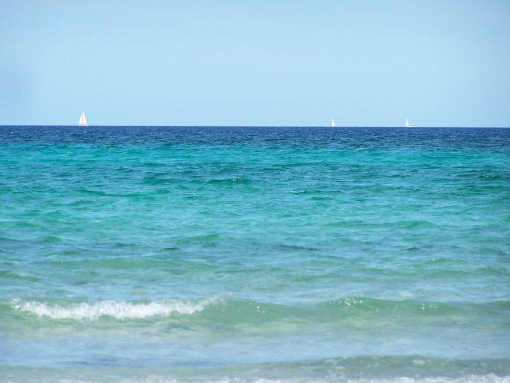 dettaglio azzurro del Mare Del Sud Sardegna Bandiere Blu