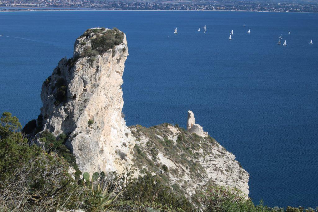 promontorio della sella del diavolo e torre spagnola