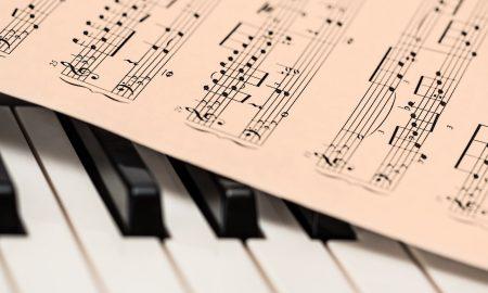 Conservatorio Lorenzo Perosi - Pianoforte e spartito musicale
