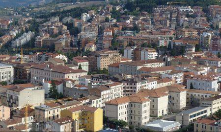 Cropped Panoramica Di Campobasso.jpg