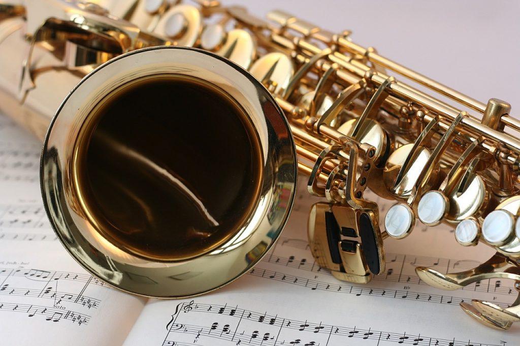 Lirica - - un Sax