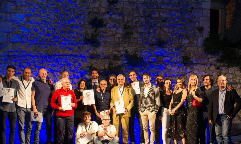 Cropped Foto Gruppo Premiati.jpg