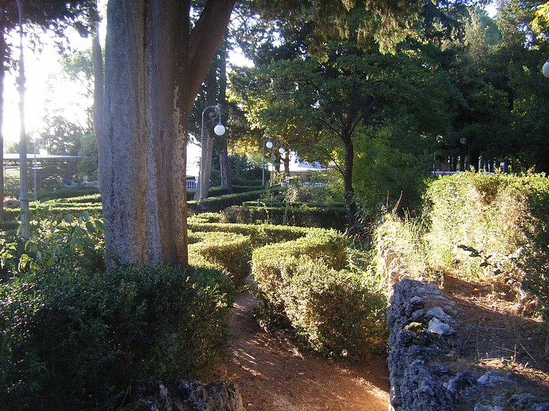 Viale Villa De Capoa