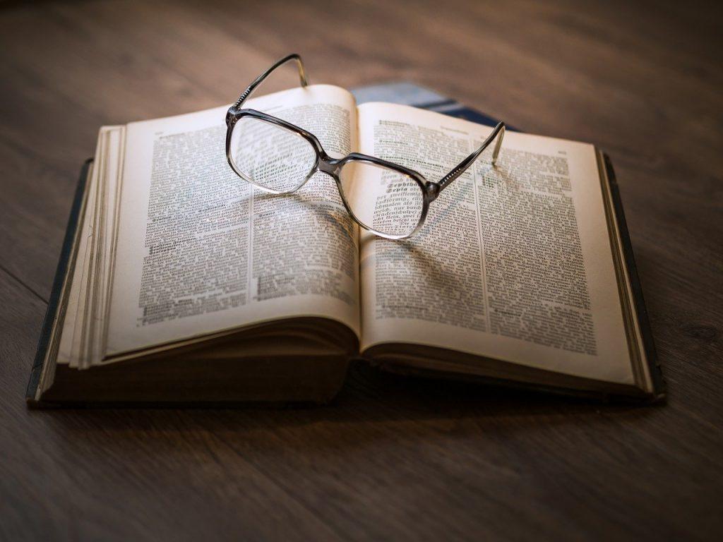 Occhia candela - Libro E Occhiali