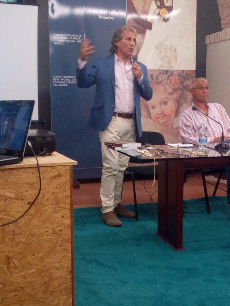 Cavallo Pazzo - 2 Pietro Che Spiega