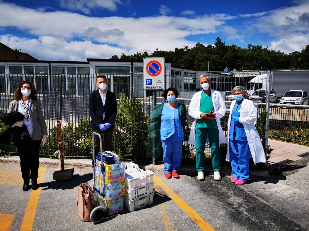 Abbraccio - Infermieri Cardarelli Ospedale