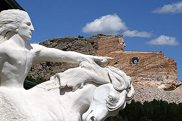 Mount Rushmore And Crazy Horse