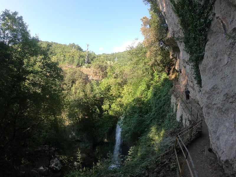 sentiero verso le cascate di Carpinone