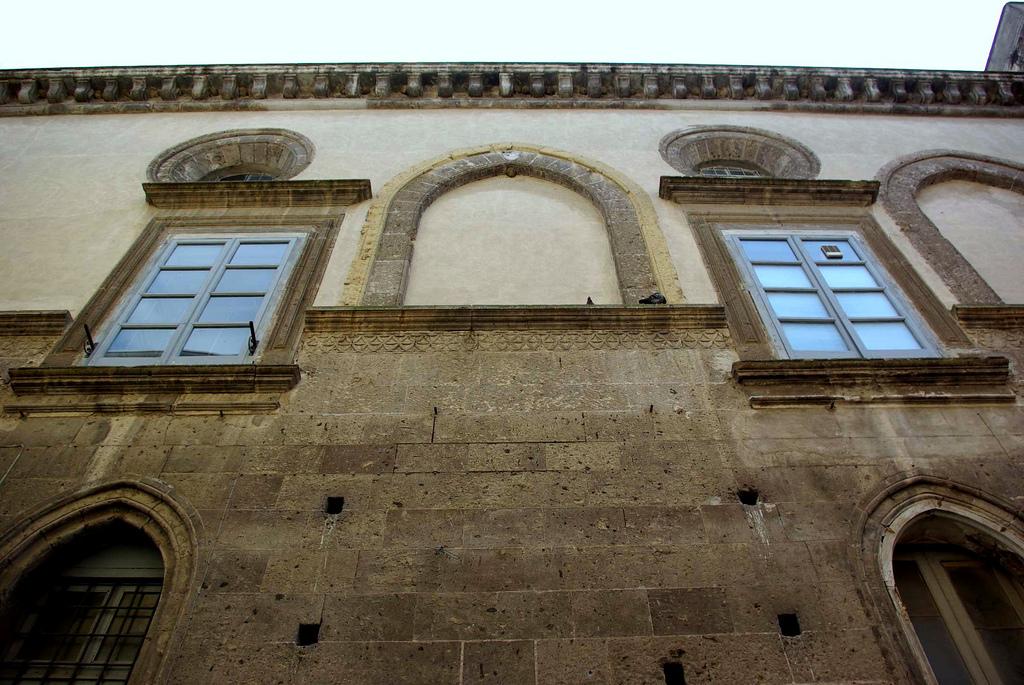fantasma del palazzo Fieramosca di Capua - particolare di Palazzo Fieramosca