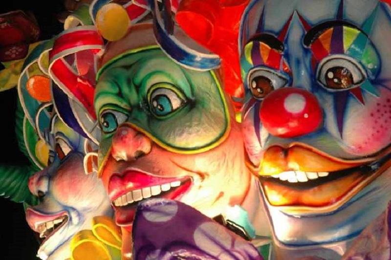 Carnevale di Capua - maschere colorate