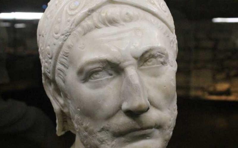 Ozi di Capua - busto di Annibale