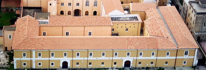Il complesso universitario ospitato da Santa Maria delle Dame Monache.