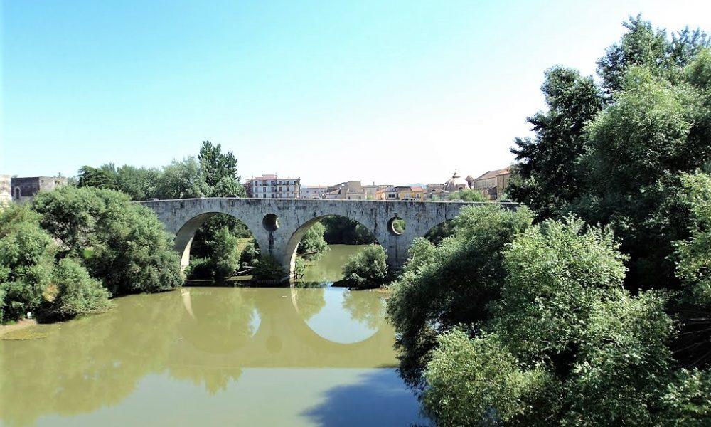 Sulle rive del fiume Volturno da secoli si svolgono numerose tradizioni fluviali.
