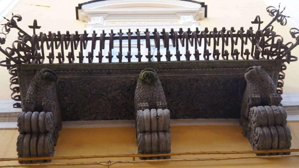Balconcini Seicenteschi Del Palazzo Lanza Di Capua