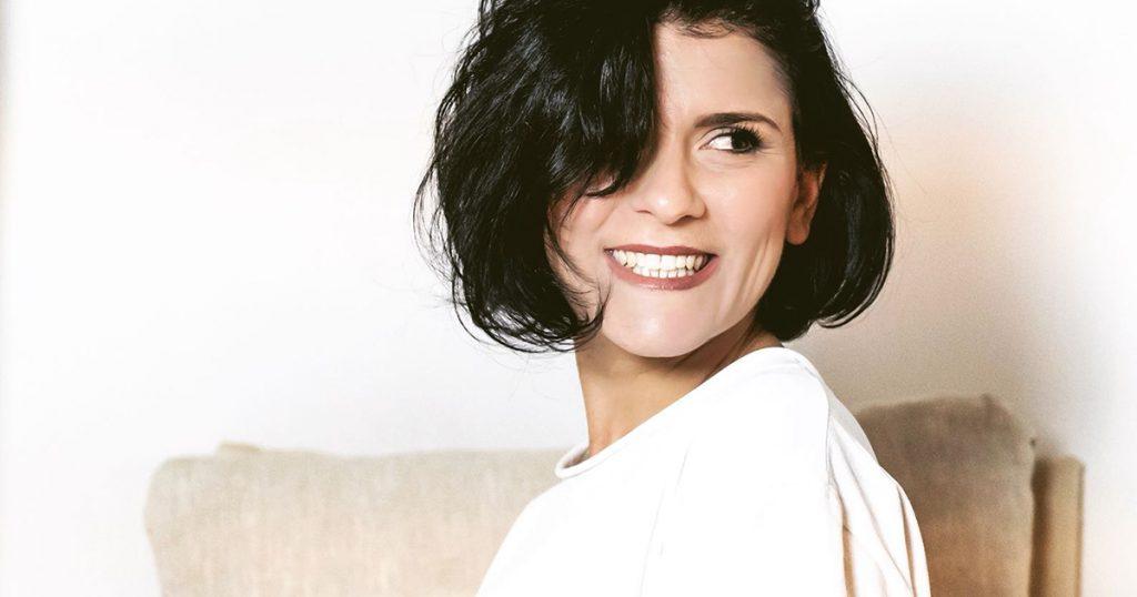 La cantautrice Flo accompagnerà le letture di Daria Bignardi