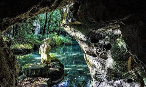 Il bagno di Venere visto dal criptoportico